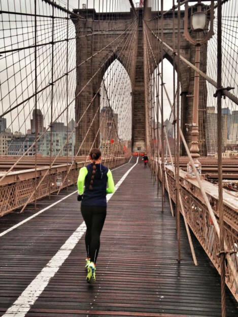 Monika Kalbacher, Brücke, laufen, NYC (15.03.2016)