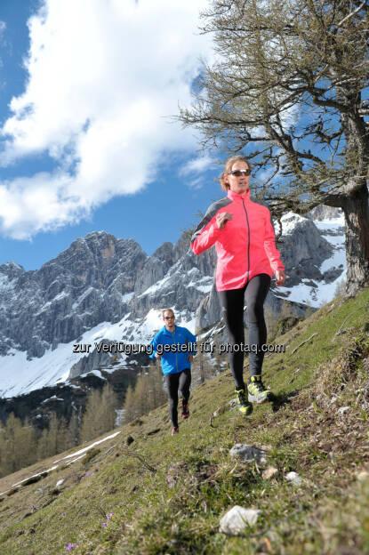 Alpine running (einer der Trends für Frühling und Sommer) : Sport 2000 Österreich verzeichnet trotz zu warmem Winter ein leichtes Plus – Outdoor und Bademode legten zu : Fotocredit: SPORT 2000 Österreich/RalphFischbacherwerbefotograf.at, © Aussendung (22.03.2016)