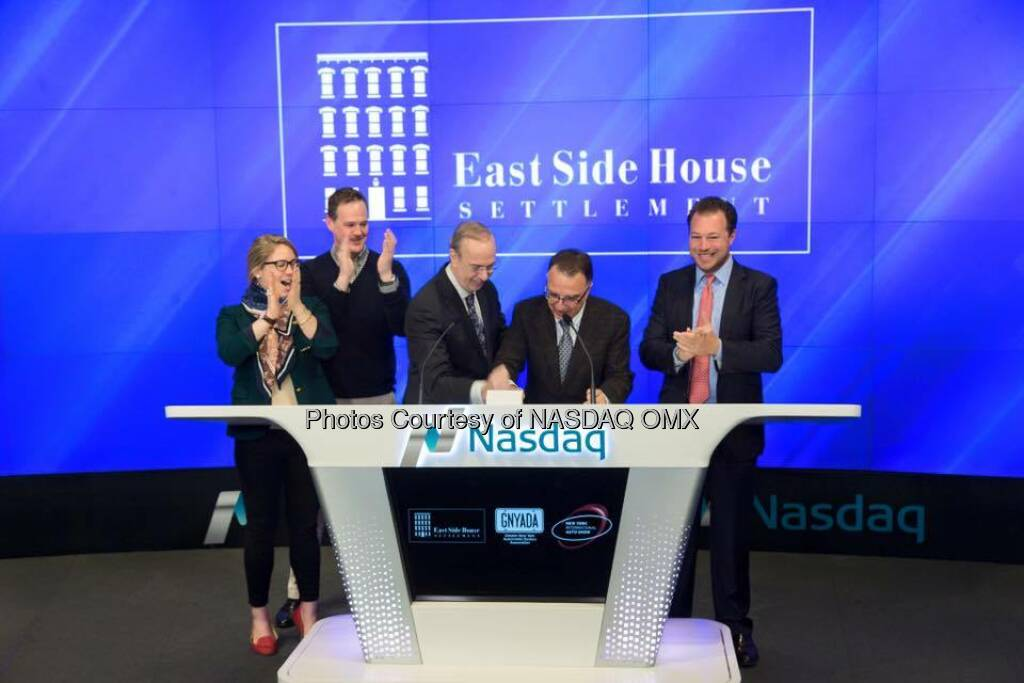 The New York International Auto Show rang the Nasdaq Opening Bell with the  and Greater New York Automobile Dealers and East Side House Settlement!   Source: http://facebook.com/NASDAQ (28.03.2016)