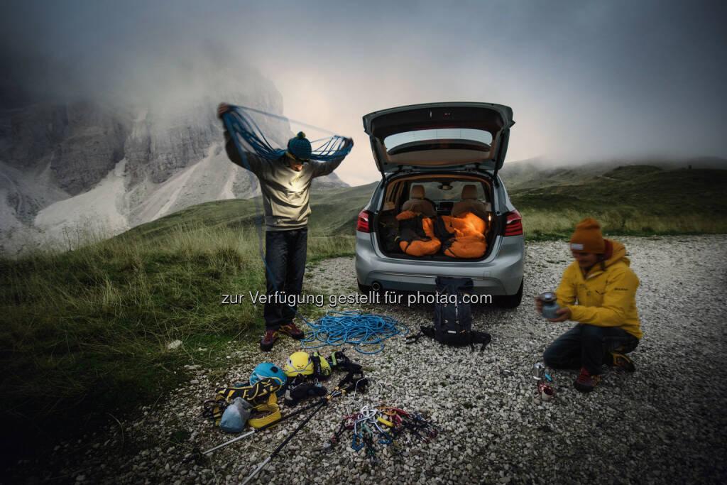 BMW 225xe iPerformance Active Tourer : BMW und Bergsportspezialist Salewa setzen Kooperation im Zeichen der Elektromobilität fort : Partnerschaft für Bergsport- und Outdoor-Erlebnisse : © BMW Group, © Aussendung (04.04.2016)