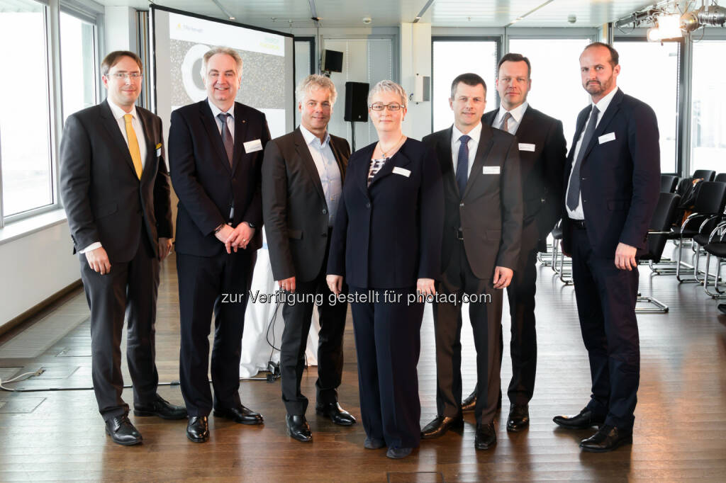 "Jiří Hlaváč, Karl Rose, Ingmar Höbarth, Karin Fuhrmann, Horst Dulle, Wojciech Sztuba,  Bernd Rajal (Vortragende Energy Tomorrow 2016) : TPA Horwath veranstaltete zum fünften Mal ""Energy Tomorrow"" : Fotocredit: TPA Horwath/Madzigon, © Aussendung (12.04.2016)"
