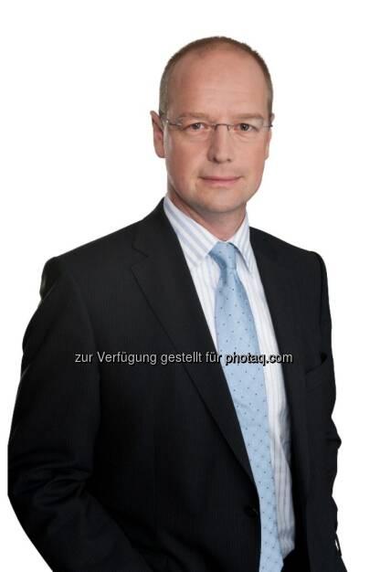 Jörg Busch, Partner und Leiter Consulting & Risk Services bei PwC Österreich : Globale PwC-Studie : Industrie 4.0 : Unternehmen weltweit investieren über 900 Milliarden US-Dollar pro Jahr bis 2020 : Fotocredit: PwC Österreich, © Aussender (13.04.2016)