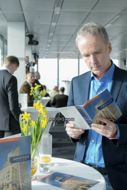 Christian Drastil, Herausgeber finanzmarktfoto.at, Immofinanz-Folder, http://privatanleger.immofinanz.com , © Martina Draper für Immofinanz (11.04.2013)