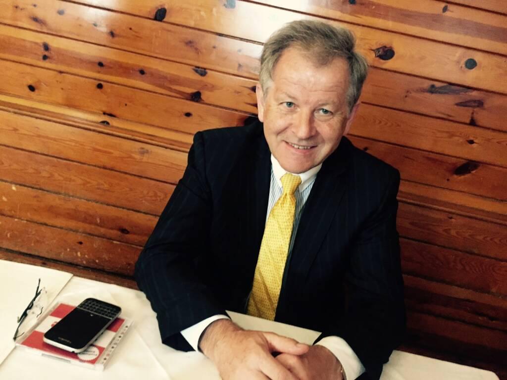 Mit Eduard Zehetner und sehr viel Spass im Rebhuhn, etwas Aushecken für http://www.boerse-social.com/programm . Mehr dazu am 20.4. (19.04.2016)
