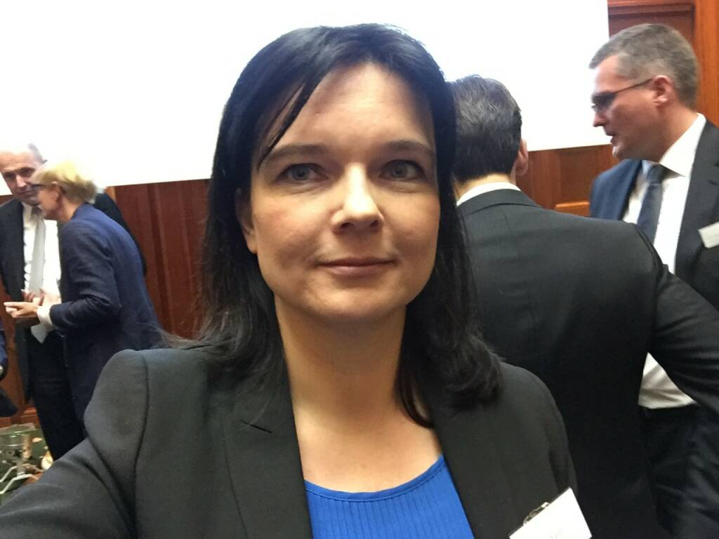 Claudia Barth Selfie, UniCredit (22.04.2016)