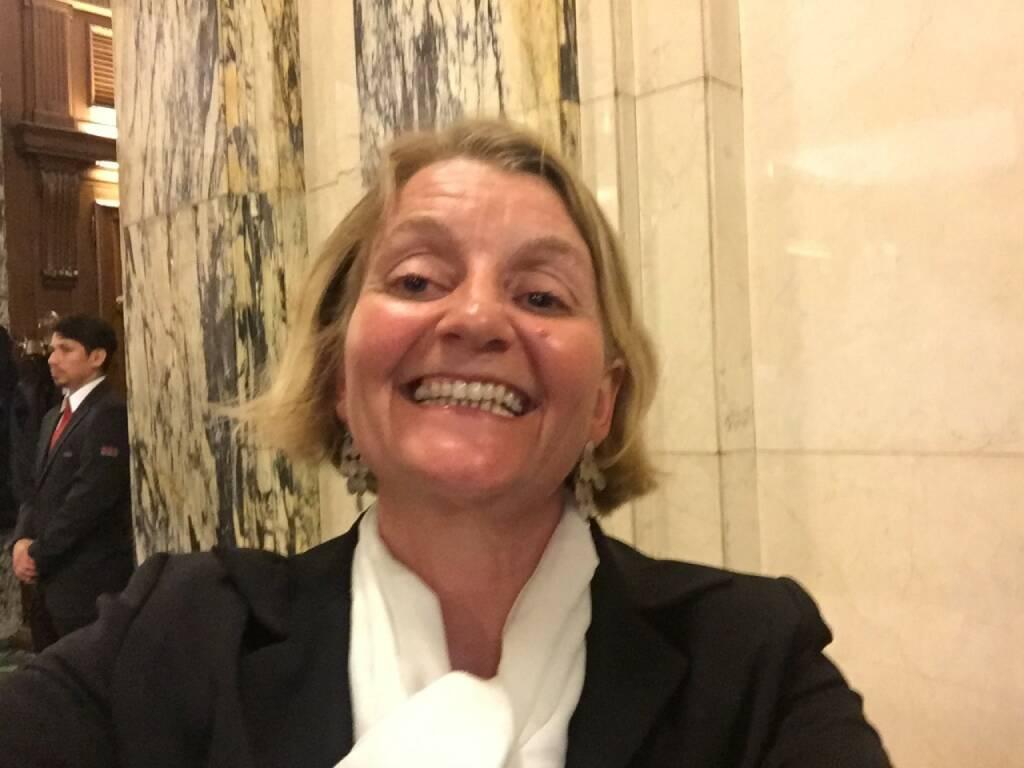 Julia Kistner Selfie, Gewinn (22.04.2016)