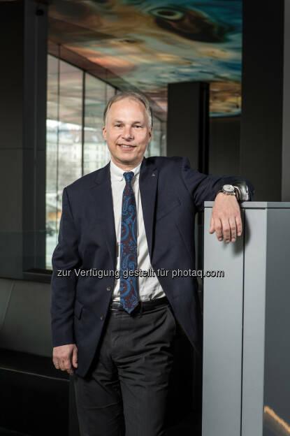 Peter Eichler, Vorstand Uniqa Österreich : Uniqa erweitert Online-Angebot um private Krankenversicherungen : Fotocredit: Rudi Froese, © Aussender (22.04.2016)