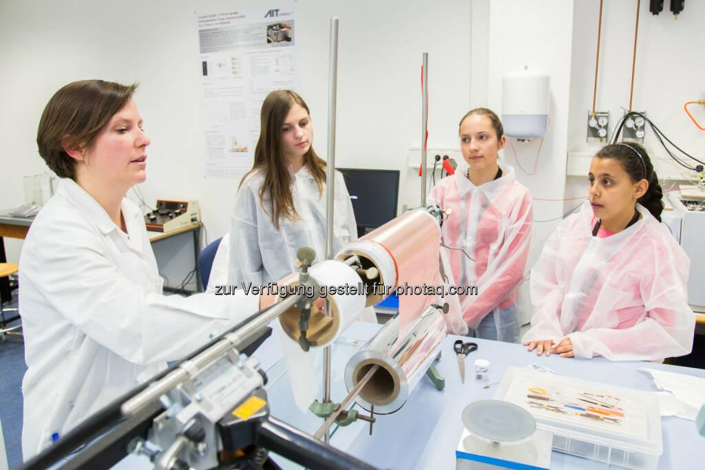Töchtertag am AIT Austrian Institute of Technology : Eine Karriere als Forscherin – Zehn Mädchen erhielten Einblick in die Technologiethemen der Zukunft : Fotocredit: AIT/Rastegar, © Aussendung (28.04.2016)