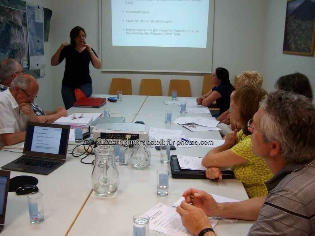Bettina Haas (HMC – Haas Marketing & Communications) beim Praxis-Workshop : Start der HMC Tourism Academy – Aus der Praxis für die Praxis : Fotocredit: HMC, © Aussendung (29.04.2016)
