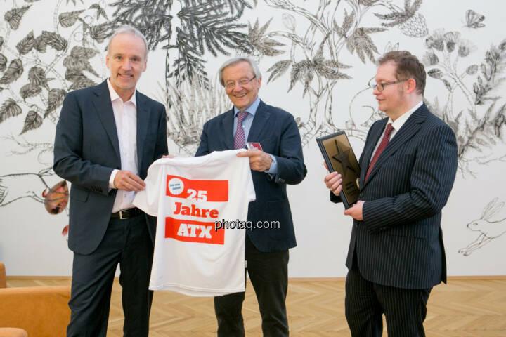 Christian Drastil (BSN), Wolfgang Schüssel, Gregor Rosinger (Rosinger Group) Wolfgang Schüssel wird in die Hall of Fame (Class of 2016) des Wiener Kapitalmarkts aufgenommen  http://boerse-social.com/hall-of-fame