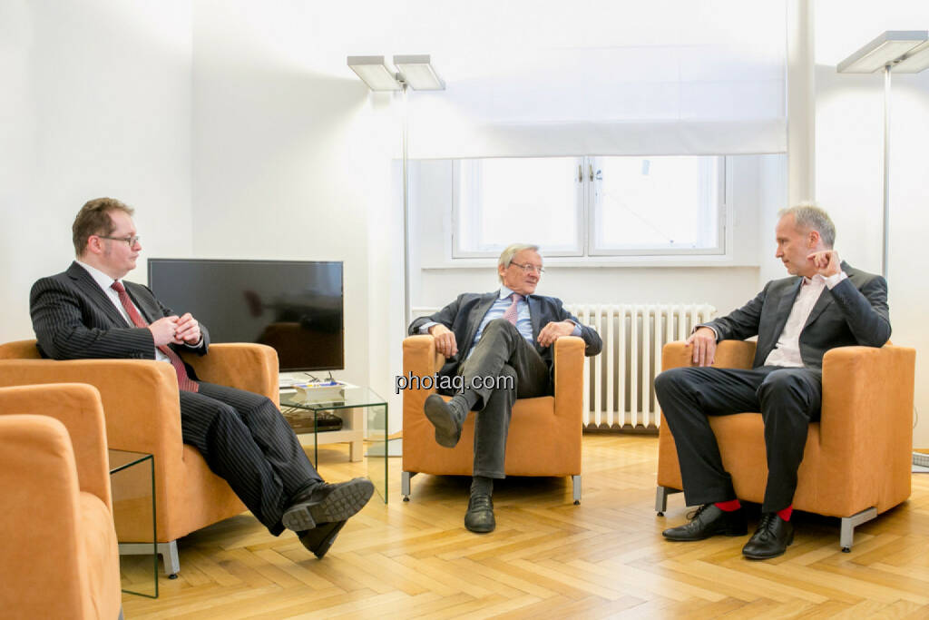 Talk: Gregor Rosinger (Rosinger Group), Wolfgang Schüssel, Christian Drastil (BSN), © Martina Draper/photaq (02.05.2016)