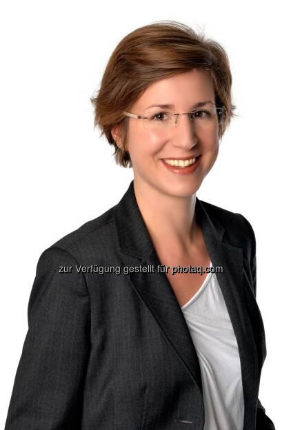 Olivia Stiedl, Senior Manager People and Organisation bei PwC Österreich : Women in Work-Index von PwC: Österreich fällt zurück : Österreich nur auf Platz 21 innerhalb der 33 OECD-Länder : Fotocredit: PwC/OresteSchaller.com, © Aussender (06.05.2016)