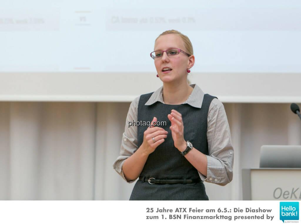 Angelika Scheid (S Immo) für http://www.aktientrophy.at, © Martina Draper/photaq (07.05.2016)