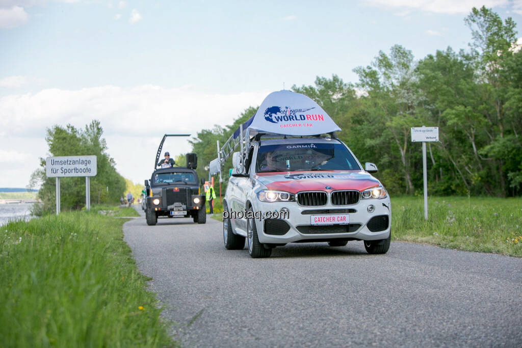 Wings for Life Worldrun KM 47, Catcher Car, © Martina Draper/photaq (08.05.2016)
