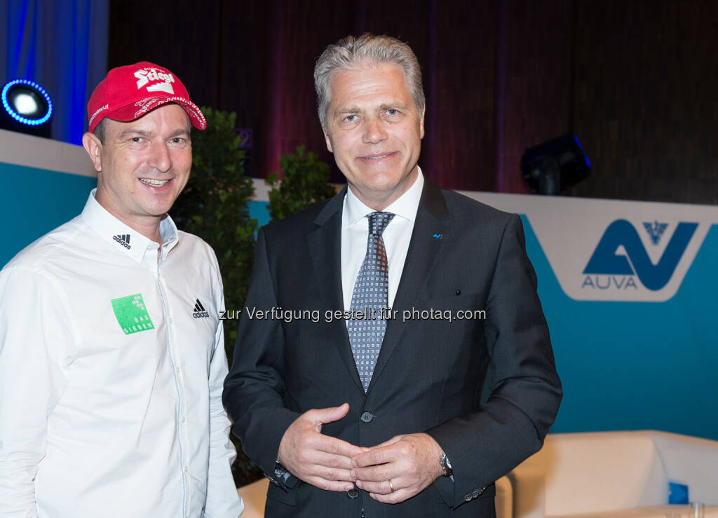 Alexander Pointner (ehem. Trainer der österr. Skisprung-Nationalmannschaft), Anton Ofner (AUVA-Obmann) : Forum Prävention der AUVA in der Congress Messe Innsbruck : Fotocredit: Martin Vandory  (10.05.2016)