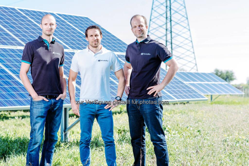 Philipp Knopf, Lukas Unger und Joachim Fertl (Skyability Gründerteam) : Skyability setzt Drohnen bei FunderMax ein : Fotocredit: Skyability/Schmid, © Aussendung (10.05.2016)