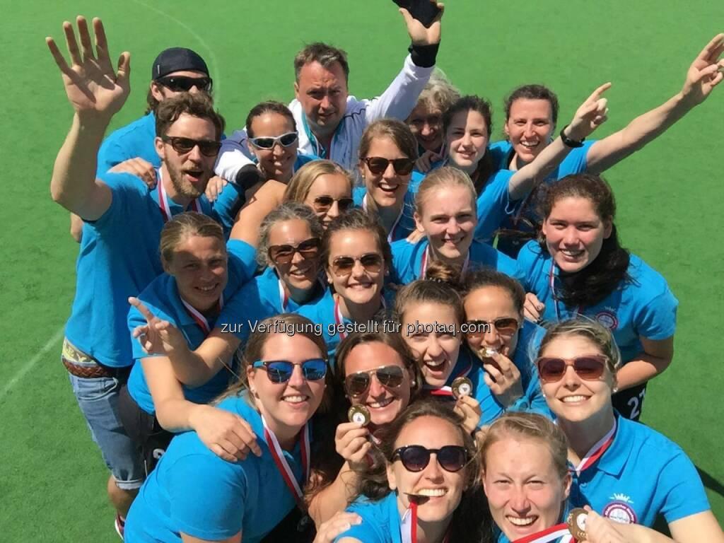 Navax AHTC Damenteam, Trainer, Betreuer : Sieg der Damen beim Europacup in Gibraltar in der Leistungsstufe 3 : Fotocredit: Navax AHTC, © Aussendung (19.05.2016)