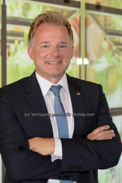 Peter Humer (Uniqa Landesdirektor Salzburg) : Uniqa: 2015 Nummer eins im Bundesland Salzburg : Fotocredit: Uniqa, © Aussender (03.06.2016)
