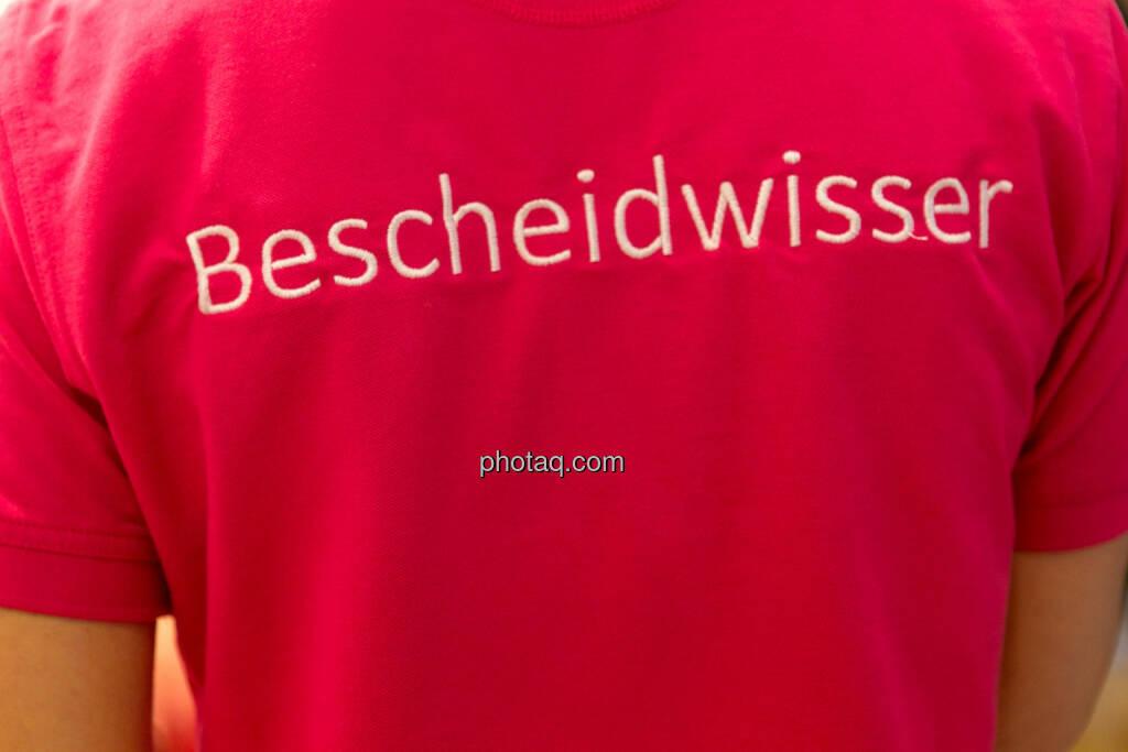 Bescheidwisser, © photaq.com (18.06.2016)