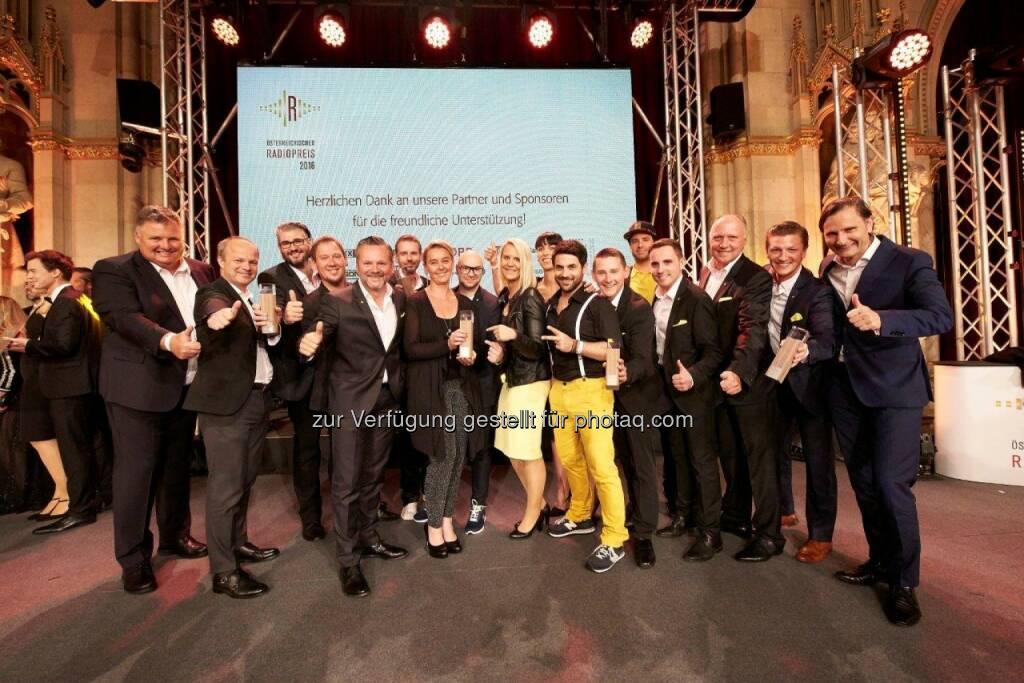 Antenne Delegation : Radiopreis: Zwei Mal Gold für die Antenne : Antenne Steiermark hat die Beste Moderatorin Österreichs, Antenne Kärnten die Beste Comedy : Fotocredit: Antenne Steiermark/Klimpt, © Aussendung (21.06.2016)
