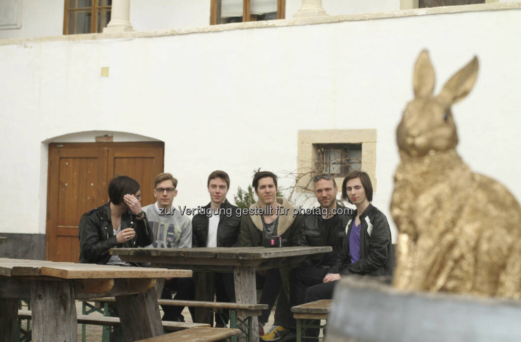 Goldener Hase: Armin Doppelbauer sucht via Puls4 musikalischen Nachwuchs: Der Rock The Island Contest mit The Golden Rabbit (c) Puls4 (19.04.2013)