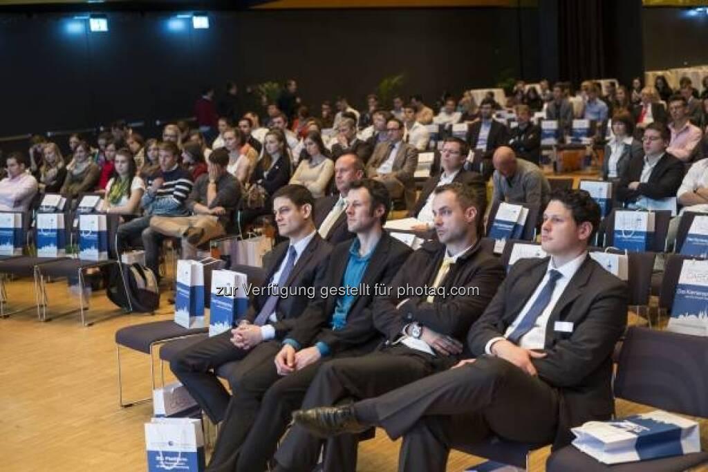 Publikum, Invest 2013 in Stuttgart - http://www.messe-stuttgart.de/invest/ (19.04.2013)