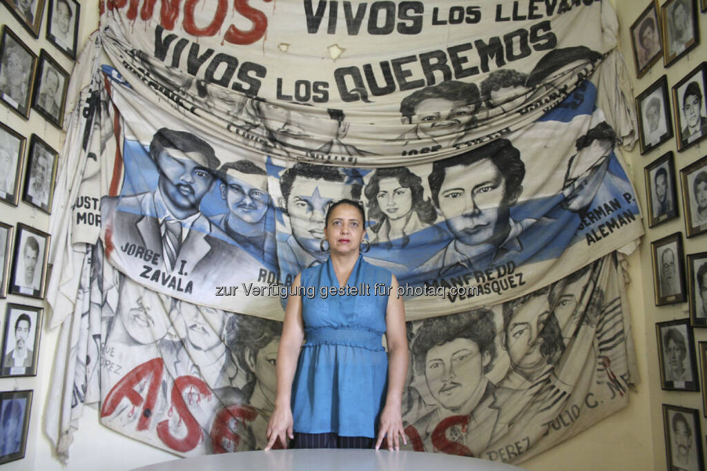 Die honduranische Journalistin Dina Meza berichtet über die Lage der Menschenrechte und Pressefreiheit in ihrem Heimatland: Im Jahr 2012 sind in Honduras acht Journalisten ermordet worden. Nach Mexiko ist Honduras das gefährlichste Land für Pressevertreter in Zentralamerika (c) Nina Kreuzinger  (22.04.2013)