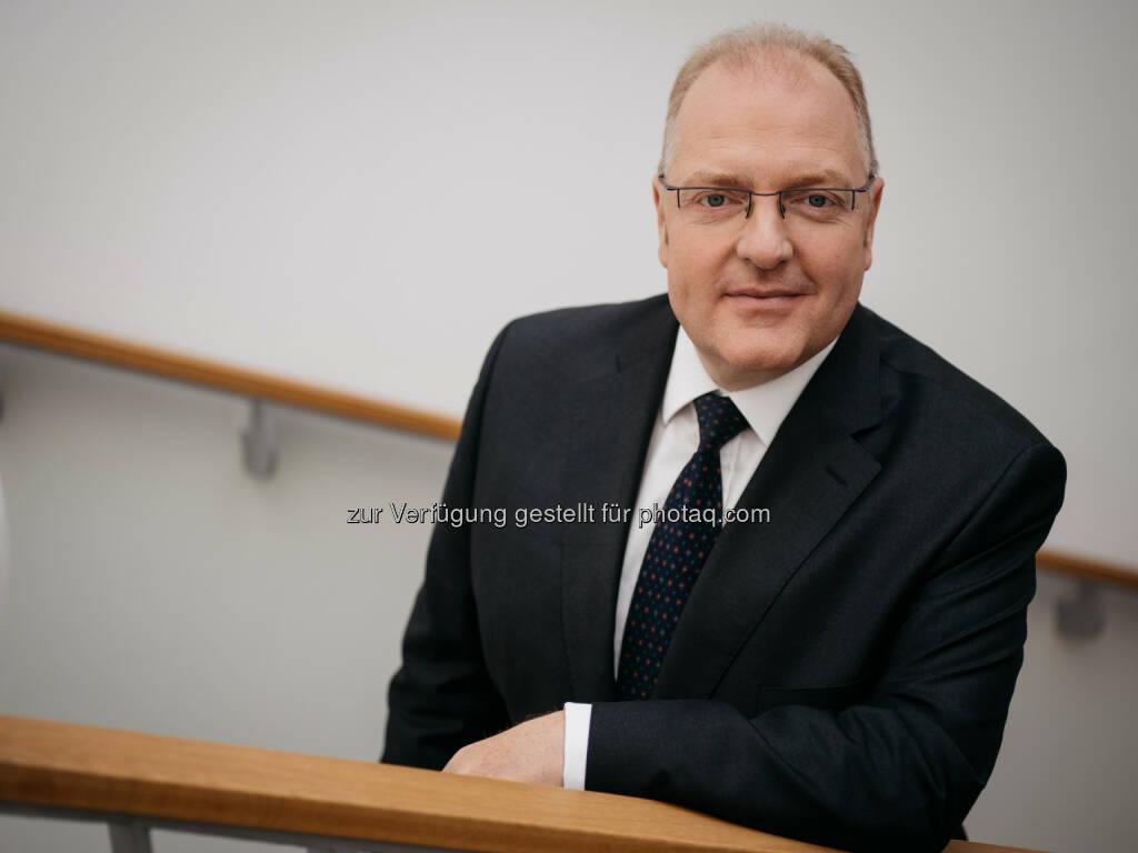 Helmut Bernkopf : OeKB mit neuem Vorstand : Helmut Bernkopf folgt am 1. August 2016 Rudolf Scholten nach : OeKB / Page Seven, © Aussender (28.07.2016)