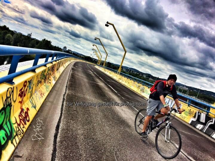 gelbe Brücke, nein nicht Winter, es ist Sommer