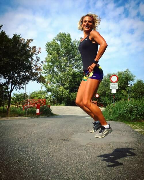 Yes Jump Elisabeth Niedereder, © Elisabeth Niedereder (19.08.2016)
