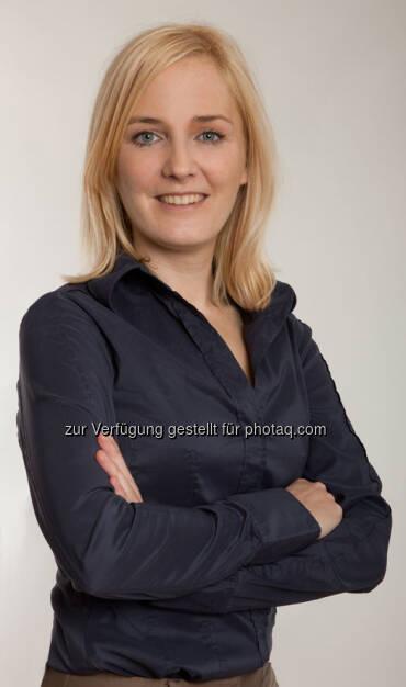 Julia Wawrik (38) nahm mit 1. April 2013 ihre Funktion als geschäftsführende Gesellschafterin von Messerscharf, einer spezialisierten Agentur für digitale Finanz- und Unternehmenskommunikation, auf. Sie ist ab sofort für das operative Geschäft und die Expansion der Digitalagentur verantwortlich. Die studierte Handelswirtin startete ihre Karriere im Jahr 2000 bei der ecetra Central European e-Finance AG. Nach mehreren Stationen bei der ORF-Enterprise GmbH & Co KG kehrte Julia Wawrik 2010 zur Brokerjet Bank AG, dem Onlinebroker der Erste Group, zurück. Dort war sie bis zuletzt Abteilungsleiterin für Marketing & Public Relations und neben dem Konzernauftritt für Österreich auch für den in Tschechien, Polen sowie Slowenien verantwortlich (c) Aussendung  (24.04.2013)