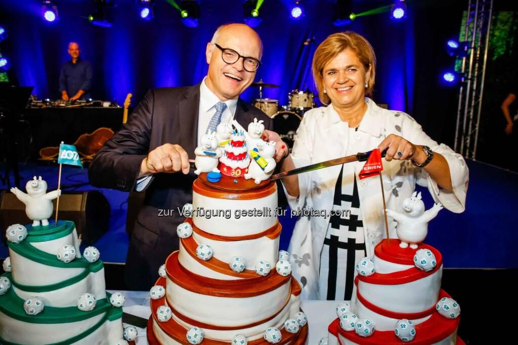 Generaldirektor Karl Stoss und Vorstandsdirektorin Bettina Glatz-Kremsner: Feier 30 Jahre Österreichische Lotterien (C) Christian Husar, © Aussender (14.09.2016)