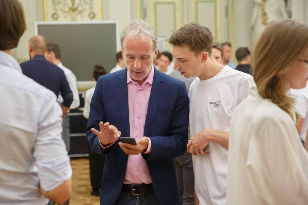 Christian Drastil mit Alexander Schwarz im Greetzly-Talk bei Startup300  (c) Florian Wieser (30.09.2016)