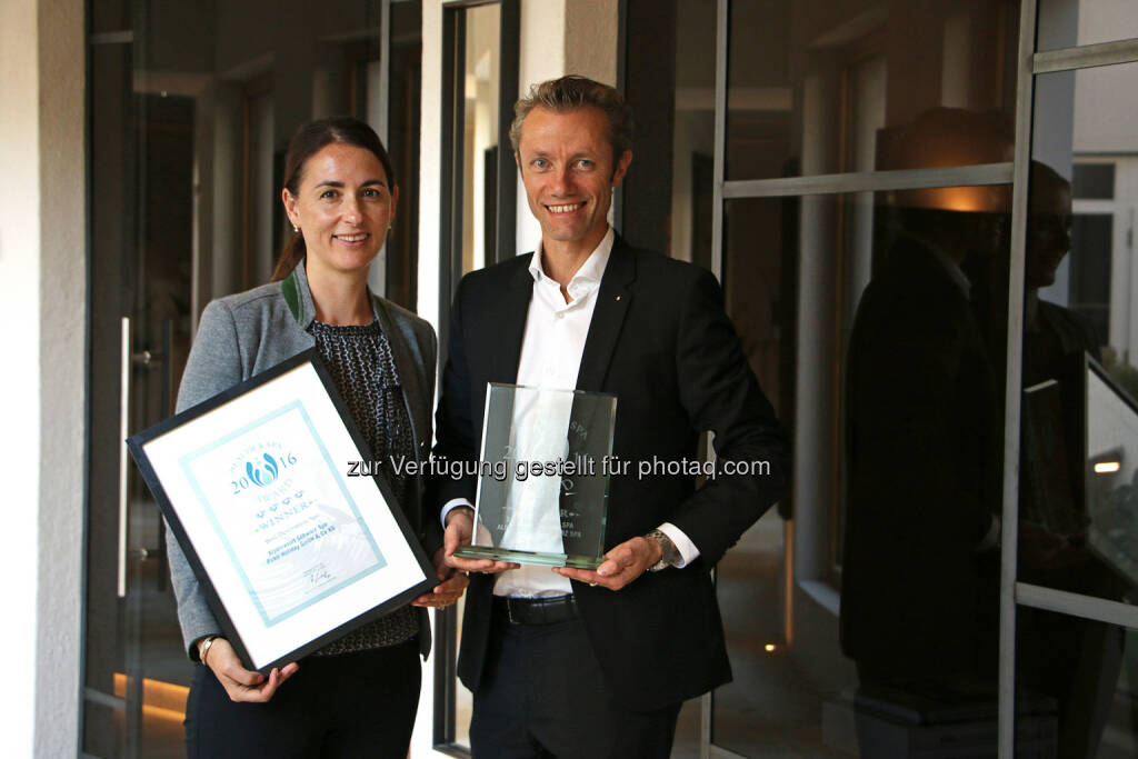 "Unternehmerfamilie Pirktl (Inhaber des 5 Sterne Alpenresort Schwarz in Tirol) : European Health & Spa Award 2016 als ""Best Destination Spa"" : Fotocredit: Alpenresort Schwarz, © Aussendung (04.10.2016)"
