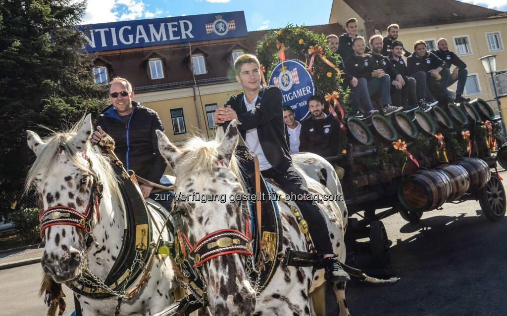 Günter Kreissl (GF Sport beim SK Sturm Graz), Spieler des SK Sturm Graz : SK Sturm Graz auf Besuch in der Brauerei Puntigam : Fotocredit: GEPA pictures / Guenter Floeck, © Aussendung (06.10.2016)