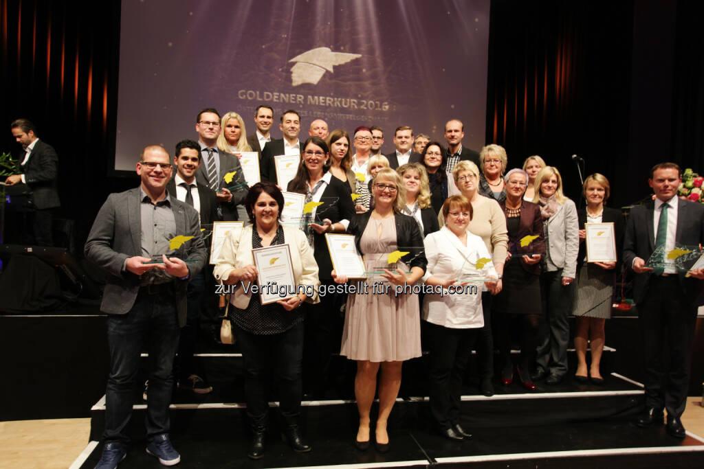 Sieger des Goldenen Merkur 2016 : Goldener Merkur für die besten Lebensmittelgeschäfte : Fotocredit: Handelszeitung/ Herwig Peuker, © Aussendung (19.10.2016)