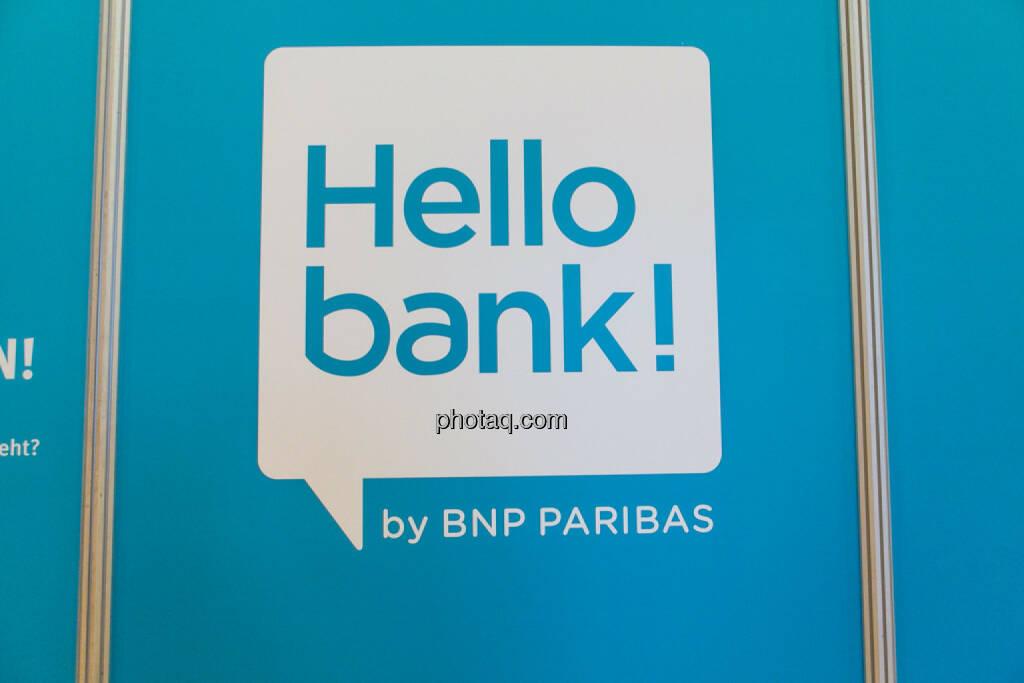 Hello bank!, © Martina Draper/photaq (20.10.2016)