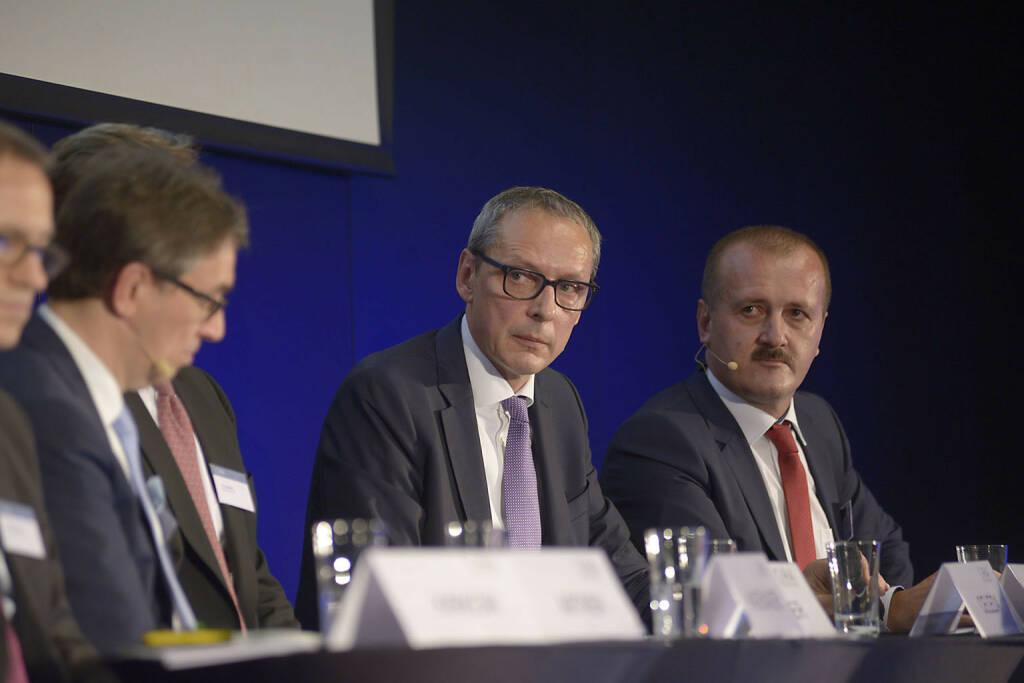 Willi Celeda (Raiffeisen Centrobank AG), Alois Wögerbauer (3 Banken-Generali Investment-Gesellschaft m.b.H.), © C.I.R.A./APA-Fotoservice/Bargad Fotograf/in: Nadine Bargad (23.10.2016)
