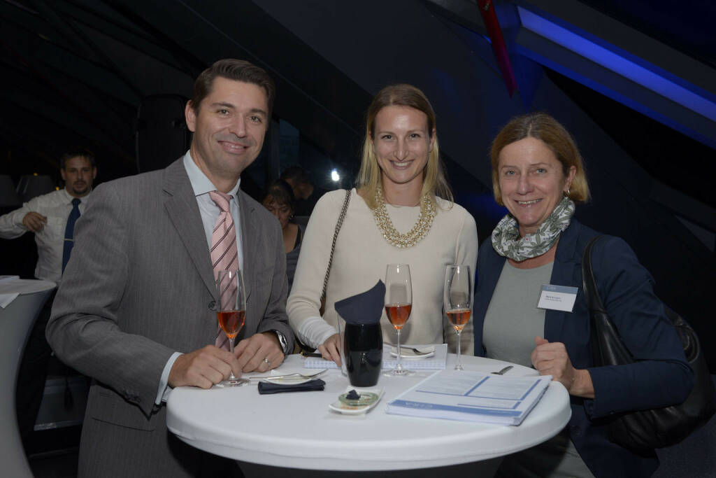 Maria Schubert (Erste Group Bank AG, 1.v.r.), © C.I.R.A./APA-Fotoservice/Bargad Fotograf/in: Nadine Bargad (23.10.2016)