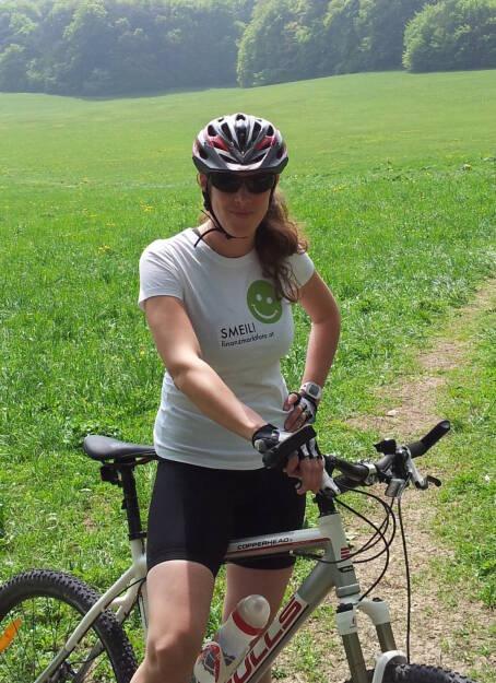 Mountainbike Smeil! Barbara Csar, langjähriges Mitglied im Österreichischen Nationalteam Florettfechten, Olympia-Kampfrichterin (01.05.2013)