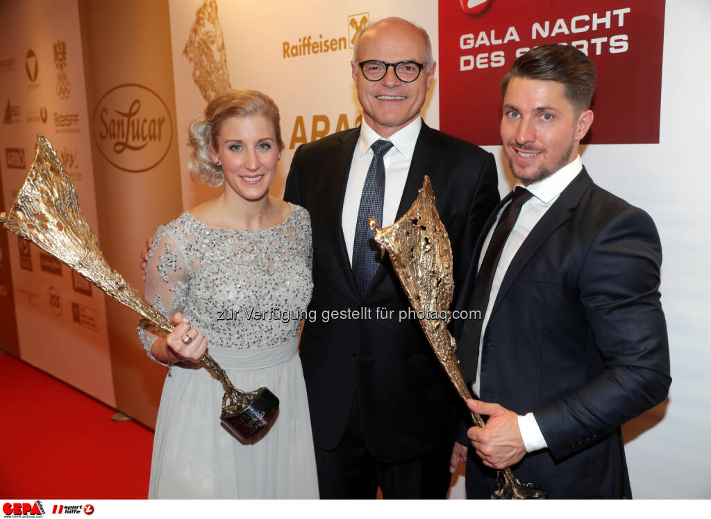 Eva-Maria Brem (AUT), president Karl Stoss (OEOC) and Marcel Hirscher (AUT) Photo: GEPA pictures/ Walter Luger (28.10.2016)