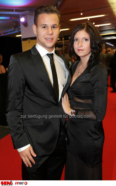 Louis Schaub (Rapid) and his girlfriend Photo: GEPA pictures/ Walter Luger (28.10.2016)