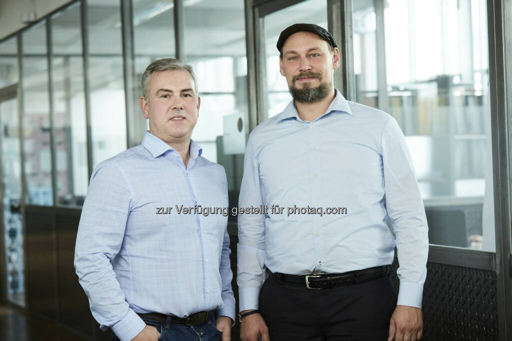 Claus Röhlk (Senior Acount Manager für Deutschland), Thomas Zant (CEO adverserve) : adverserve auf Expansionskurs - neuer Firmensitz in Hamburg : Fotocredit: adverserve digital advertising Services GmbH/Unterberger, © Aussendung (28.10.2016)