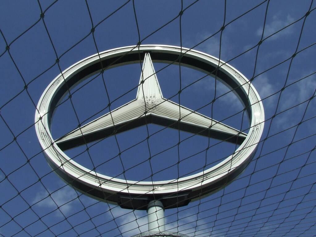 Mercedes Stern, Daimler (Bild: Pixabay/PublicDomainPictures https://pixabay.com/de/autoindustrie-daimler-mercedes-558355/ ) (09.11.2016)