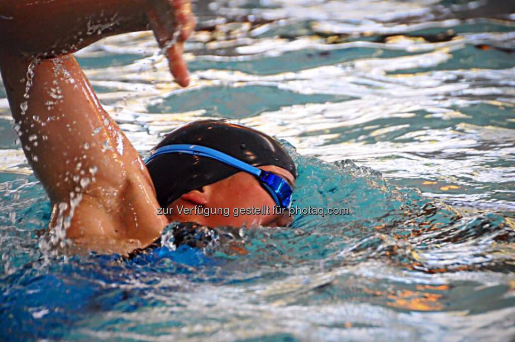 Tanja Stroschneider, schwimmen, © Tanja Stroschneider (13.11.2016)