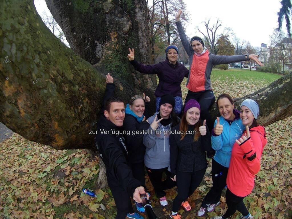Werner Schrittwieser und die Teilnehmerinnen des Lauftechniktrainings in Krems (19.11.2016)