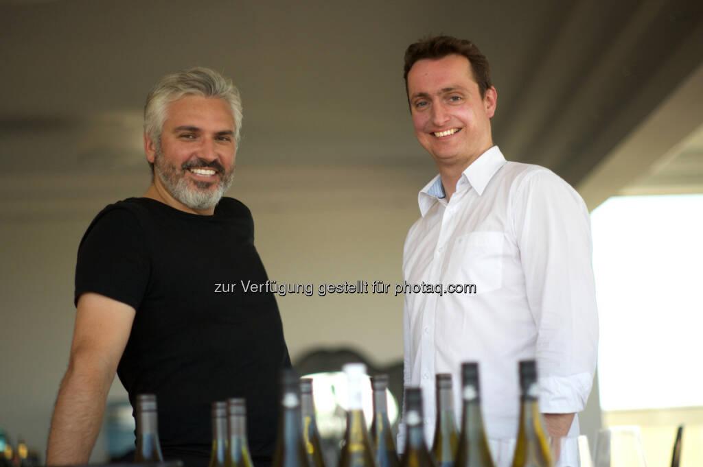 Oliver Sartena und Dietmar Pirolt: Just Taste Handelsgesellschaft m.b.H.: Ab heute 12 Uhr: Weinhandels-Start-up eröffnet ersten Pop-up-Store in Wien 7. (C) Just Taste, © Aussender (25.11.2016)