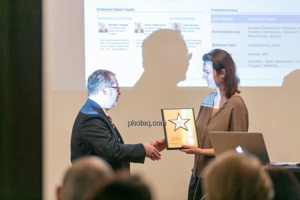 Gregor Rosinger (Rosinger Group), Christine Reitsamer (Baader Bank), © Martina Draper/photaq (27.11.2016)