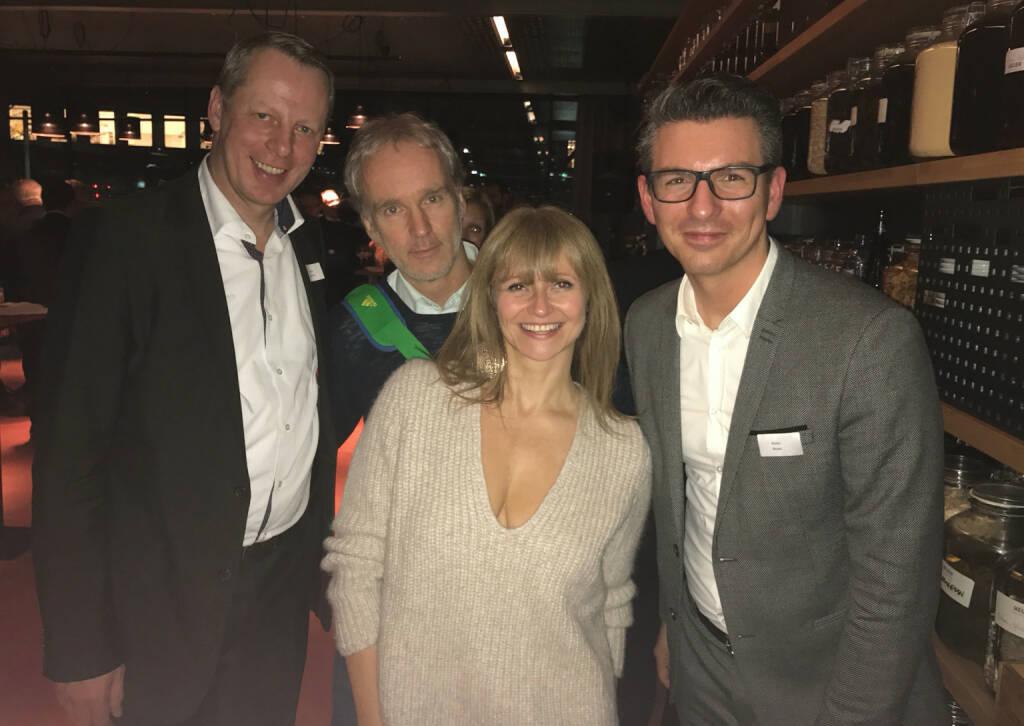S Immo Weihnachtsfeier: Friedrich Wachernig, Christian Drastil, Elke Koch, Bosko Skoko (05.12.2016)