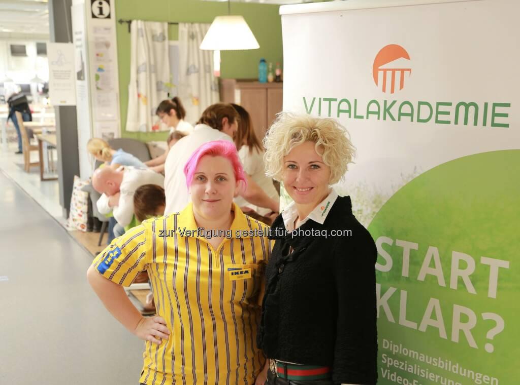 Sonja Kainberger, Christine Cizek - Vitalakademie: Vitalakademie zu Gast bei IKEA: Kochen & Massage für IKEA Kunden (Fotocredit: Vitalakademie), © Aussendung (19.01.2017)